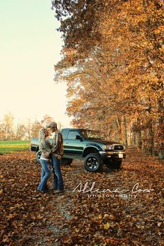 Outdoors- Fall- Autumn- PickUp- Leaves-Camo- Jeans- Love- Central Kentucky Wedding & Family Photography http://www.allenacoxphotography.com