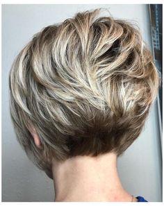 Short Stacked Bob Haircuts, Stacked Bob Hairstyles, Short Hairstyles For Thick Hair, Haircut For Thick Hair, Curly Hair Styles, Stacked Bob Short, Pixie Haircuts, Angled Bobs, Medium Hairstyles