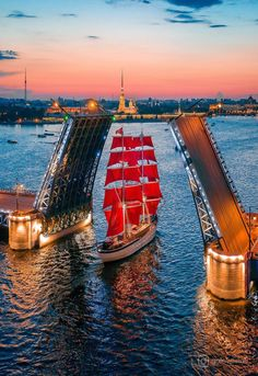 Solve Palace Bridge, Saint Petersburg (Russia) jigsaw puzzle online with 42 pieces Places To Travel, Places To Visit, Beautiful Places, Beautiful Pictures, St Petersburg Russia, Belle Villa, Tall Ships, Sailing Ships, Countryside