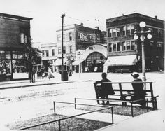 Intersection at Lincoln and Montrose, c.1910, Chicago.