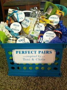 Unique bridal shower gifts - How to Make Creative Wedding Gift Baskets for Bride and Groom – Unique bridal shower gifts Bridal Shower Presents, Bridal Shower Prizes, Creative Wedding Gifts, Bridal Shower Gifts For Bride, Wedding Gifts For Bride And Groom, Wedding Gifts For Couples, Bridal Gifts, Bride Groom, Wedding Favors