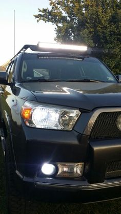 6000k hids in the headlights and fog lights 32 led roof mounted 6000k hids in the headlights and fog lights 32 led roof mounted led light bar and 22 lower grille mounted light bar my lifted 2011 toyota 4runner aloadofball Images