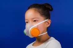 WOOBI play air pollution mask modular system encourages children and parents to put the parts together, piece by piece, to build the finished product. Wearable Device, Wearable Technology, Hepa Filter, Air Filter, Air Pollution, Kids Health, Sustainable Design, Mask Design, Design Art