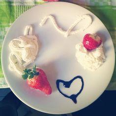 #strawberry #panna #dessert #dolci #italianfood #fragole