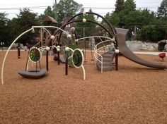 Eat and Run: Seattle Playgrounds with Kid-Friendly Lunch Spots Nearby