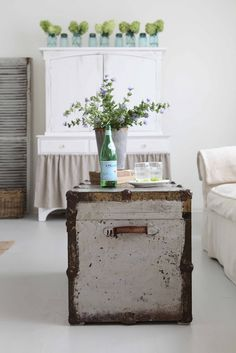 Steamer trunk becomes coffee table