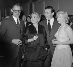 Arthur Miller, Simone Signoret, Yves Montand et Marilyn Monroe at the Premiere of Let's Make Love directed by George Cukor, 1960