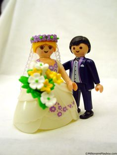 Play Mobile wedding cake toppers
