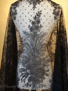 Antique Victorian French Black Chantilly Lace Shawl ~ Circa Mid 1800s