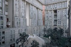 Postmodernism Lost: Revealing the Remnants of a Utopian Dream in Paris - Architizer Joseph, 88 ans, Les Espaces d'Abraxas, Noisy-le-Grand, image © Laurent Kronental Paris Suburbs, Noisy Le Grand, Ricardo Bofill, Cracked Wall, French Apartment, Tower Block, Grand Paris, Paris Photos, Home Projects