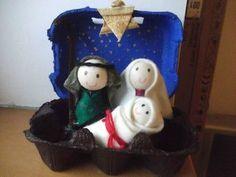 Idée pour un bricolage de Noël : une crèche « écolo » Noel Christmas, Christmas Crafts, Xmas, Christmas Ornaments, Bible Crafts, Fun Crafts, Diy And Crafts, Catholic Kids, Winter Crafts For Kids