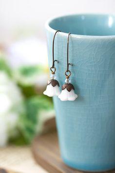 Vintage Style White Flower Earrings Rustic Wedding by MeMadeJewels