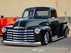 Just don't make them like the old days: Photo Chevy Pickup Trucks, Gm Trucks, Chevrolet Trucks, Lowrider Trucks, Chevrolet Silverado, Pickup Car, Classic Pickup Trucks, Hot Rod Trucks, Cool Trucks