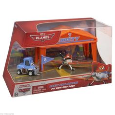 NEW DISNEY PLANES DUSTY CROPHOPPER PIT ROW GIFT PACK DIE-CAST *NEW*