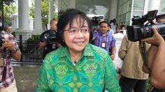 Menteri Lingkungan Hidup dan Kehutanan : Siti Nurbaya