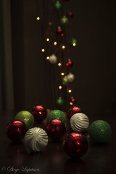 I took this picture using my new Canon Speedlite 600 EX-RT off camera. I tried to set the exposure to the christmas ball while the background lights were still dark.