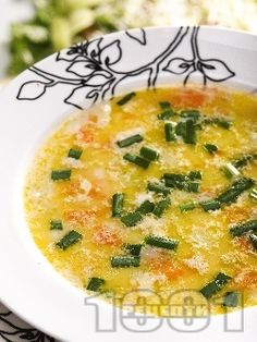 Зеленчукова супа от тиквички, моркови и лук