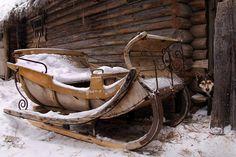 ❥ wooden sleigh