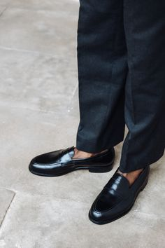 The Morjas penny loafer. Our across-the-globe loved loafer which is expertly crafted on a single leather sole for maximum level of elegance. Penny Loafers, Loafers Men, Man Style, Cool Style, Handmade Leather Shoes, Goodyear Welt, Men S Shoes, Luxury Shoes, Summer Shoes