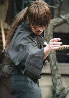 Rurouni Kenshin - The Great Kyoto Fire Arc - Takeru Sato , Rurouni Kenshin Movie, Samurai Poses, Takeru Sato, Live Action Movie, Japanese Drama, Cosplay, Saitama, Asian Actors, Korean Actors