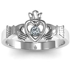 ive always wanted a Claddagh ring!! but no one bought one for me :-(