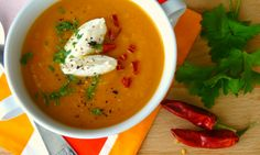 Mrkvová polévka s červenou čočkou