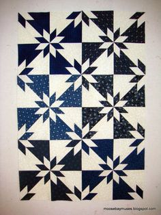 hunters star - Just took this class Monochromatic Quilt, Hunters Star Quilt, Electric Quilt, Two Color Quilts, Navy Quilt, Quilting Tools, House Quilts, Star Quilts, Tile Patterns
