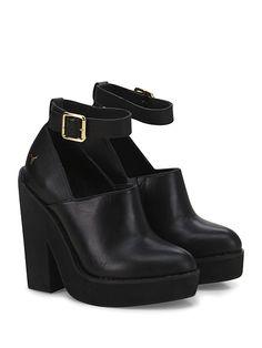 Windsor Smith - Tronchetto - Donna - Tronchetto in pelle con cinturino alla  caviglia e suola 75048a0346c