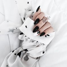 "1,976 Likes, 33 Comments - MONIʞA (@brunettefashionn_) on Instagram: ""#new #mani  #Indigo #indigonails #naturalnails #nailart #blackandwhite #silver #details #pandora…"""