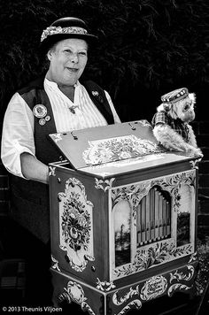 Monkey and the Organ Grinder
