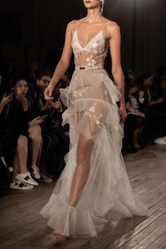 Inbal Dror Fall 2019 Bridal The Gala Dresses, Evening Dresses, Lyon, Grecian Gown, High Fashion Dresses, Expensive Clothes, Ny Fashion Week, Black Women Fashion, Beautiful Gowns