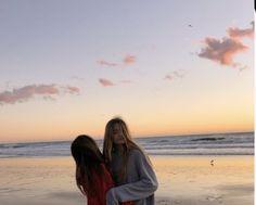 I Need Friends, Cute Friends, Best Friends, Friends Girls, Best Friend Pictures, Friend Photos, Cute Photos, Cute Pictures, Surf