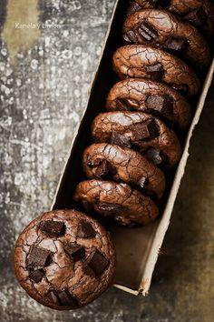 Estas galletas se suben al top 5 en mi lista de galletas preferidas. Lo tengo claro.A partir de ahora, cuando quiera, necesite o desee unas galletas de chocolate para casa, para sorprender o para rega