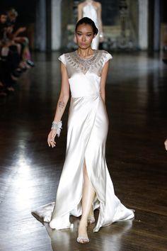 Pin for Later: Les Plus Belles Robes de Mariée de la Bridal Fashion Week Automne 2014  Johanna Johnson Bridal Autumn 2014
