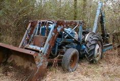 Ford tractor 2000 industrial information Ford Tractor Parts, Ford Tractors, Ford Focus Electric, 1964 Ford, Antique Tractors, Old Fords, Automobile Industry, Automotive News, Random Thoughts