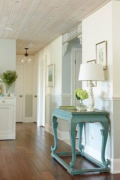 Webisode Hallway- Sarah Richardson Lowe's Renovation...In open space fOr best results mixing and matching colours, try to select shades that all have a similar tonal intensity so the end result creates a natural flow from one area to the next and the colours work together in perfectly balanced harmony.