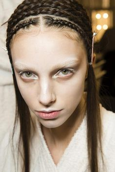 60 common makeup mistakes women