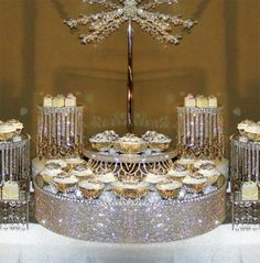 Crystal cake stands and displays Bling Wedding, Our Wedding, Dream Wedding, Bling Party, Wedding Reception, Deco Buffet, Deco Table, Candy Table, Candy Buffet