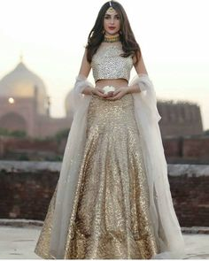 For a signature look wear this elegant hand crafted kundun blouse and gota lehnga Pakistani bridal wear Odessa by Natasha Kamal. Indian Bridal Wear, Indian Wedding Outfits, Pakistani Bridal, Pakistani Outfits, Indian Outfits, Indian Wear, Indian Engagement Outfit, Bride Indian, Eid Outfits