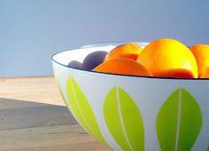 i catherine holm bowls Lotus Design, Vintage Enamelware, Pyrex, Norway, Serving Bowls, Paradise, Ceramics, Antiques, Tableware