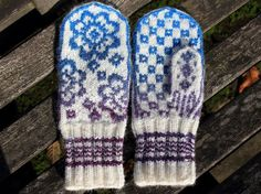 Upland Meadow Mittens knitting pattern