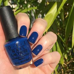 OPI Keeping Suzi At Bay. One of my favourite blues! Two easy coats. Get Nails, How To Do Nails, Hair And Nails, Opi Nail Polish, Nail Polish Colors, Nail Polishes, Blue Nails, Beauty Essentials, Nail Arts