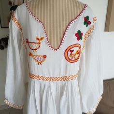 3b8359bce6870 Robe longue bohème chic style hippie robe fleurs et animaux robe belle gaze  de coton indien robe blanche robe brodée main