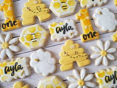 1st Birthday Girls, First Birthday Parties, Birthday Party Themes, First Birthdays, Birthday Ideas, Bee Cookies, Bee Party, Baby Shower Cookies, Bee Theme
