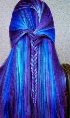 Dye your hair to neon pink hair color - temporarily use crazy pink hair dye to achieve brilliant results! DIY your hair fluo pink with pink hair chalk Hair Color Purple, Cool Hair Color, Blue Ombre, Amazing Hair Color, Hair Color Quiz, Purple Ombre, Light Ombre, Light Blue Hair, Light Purple