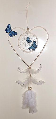 Dream Catcher Mobile, Dream Catchers, How To Make Dreamcatchers, Dream Catcher Patterns, Beaded Crafts, Sun Catcher, Hanging Ornaments, Wall Hanger, Spirit Animal