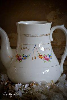 Société Céramique Maestricht Dresden, Teapots, Pottery, China, Bride, Vintage, Vintage Teapots, Mugs, Tableware