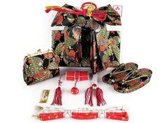 七歳 女児用 着物 フルセット 753 kimono 作り帯 草履 販売 通販。七五三 着物 7歳 フルセット 七歳女の子の着物(合繊)「赤、雪輪に牡丹・桜」フルセットBBI041s52MM
