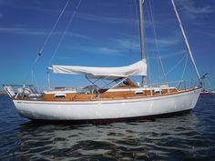 35' Chris Craft Sail Yacht •  Location: Lewis Bay Hyannis, Massachusetts • Asking: 29,900