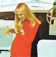Color / Young | The DiehardAgnetha Gallery